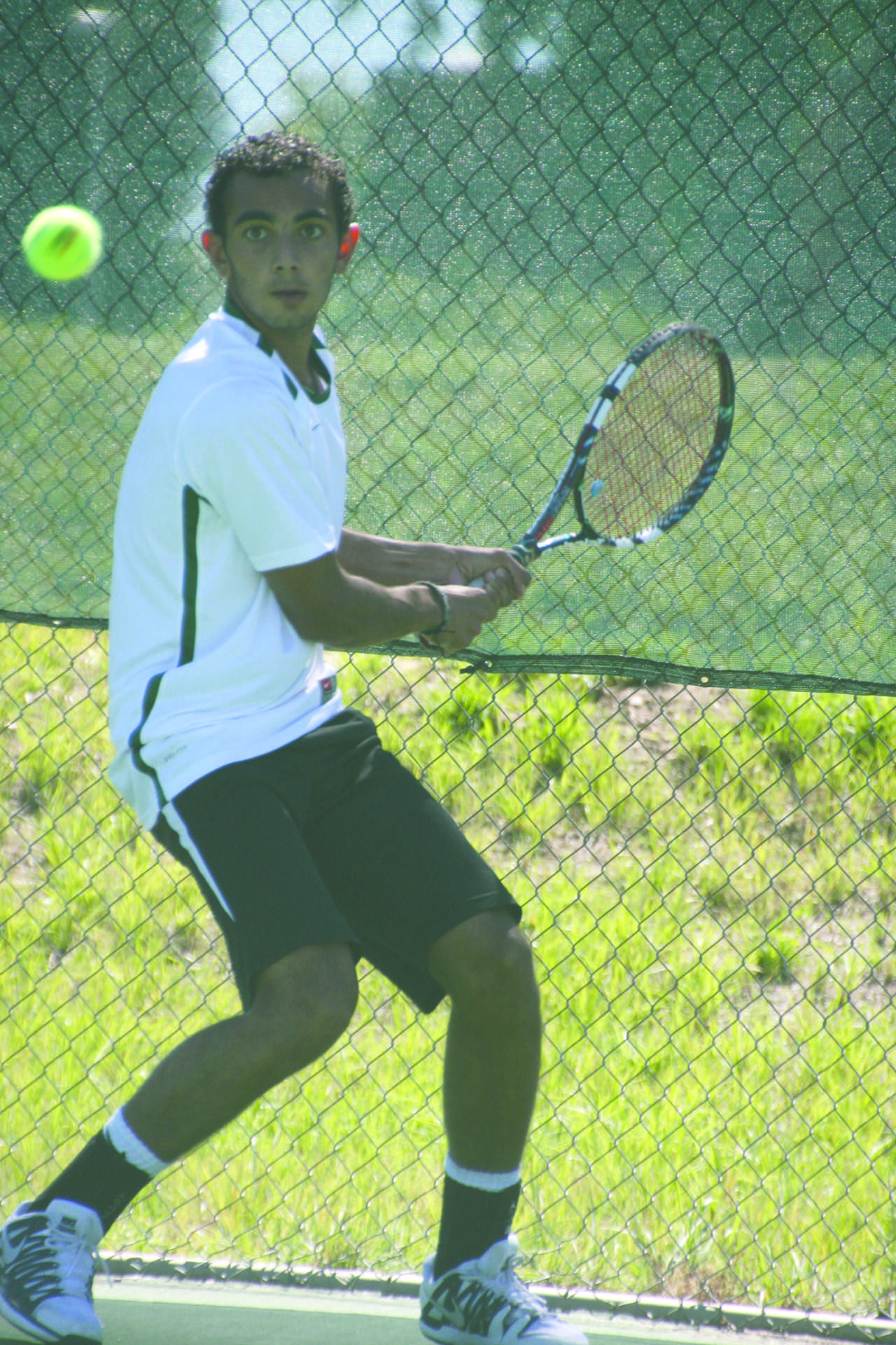Gonzalez sets racket on competition ahead