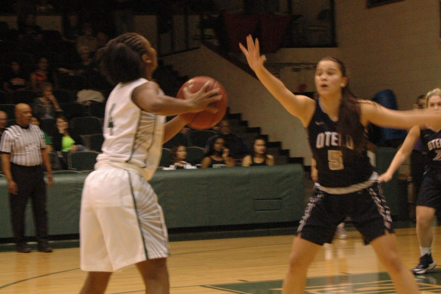 Lady Saints basketball off to good start