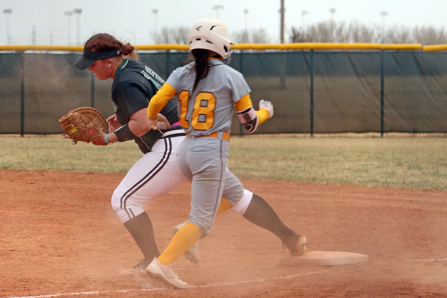 Freshman+first+baseman%2C+Madeline+Owen+tags+her+base+to+get+a+GCCC+opponent+out+for+SCCC%27s+third+out+of+the+inning.