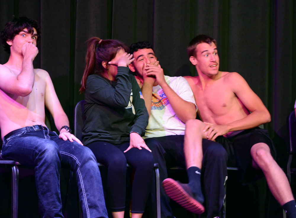The+hypnotized+students+were+told+to+believe+that+members+of+the+audience+were+in+the+crowd%2C+completely+naked.+There+were+many+different+reactions+like%3A+awe%2C+shock%2C+and+even+embarrassment.