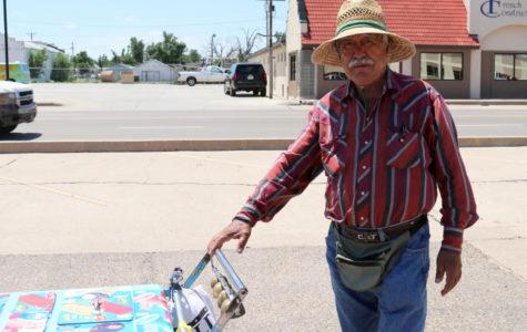 Paletero trae clásicos del verano Mexicano a los barrios de Liberal