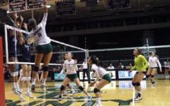 Photo Essay: Volleyball continues winning streak
