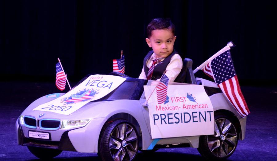 El+publico+tuvo+opcion+de+dar+un+premio+y+lo+gano+Isaiah+Vega+por+ser+el+primer+presidente+Mexicano-americano.+