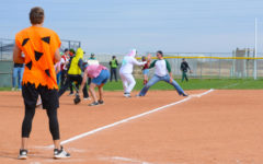 Softball, baseball hosts first slow pitch game