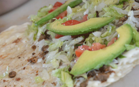 "This certain dish is called a ""gringa"" The type of tortilla to use for this certain dish is a flour tortilla. The ""gringa"" consists of any type of meat of your choice and mozzarella, lettuce, tomato and avocado."