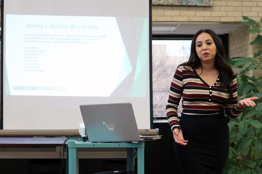 SCCC Advisor/Transfer Coordinator, Janeth Vasquez shares advice on transferring to a four-year university. Vasquez had a power point with helpful links and information on the transferring process.