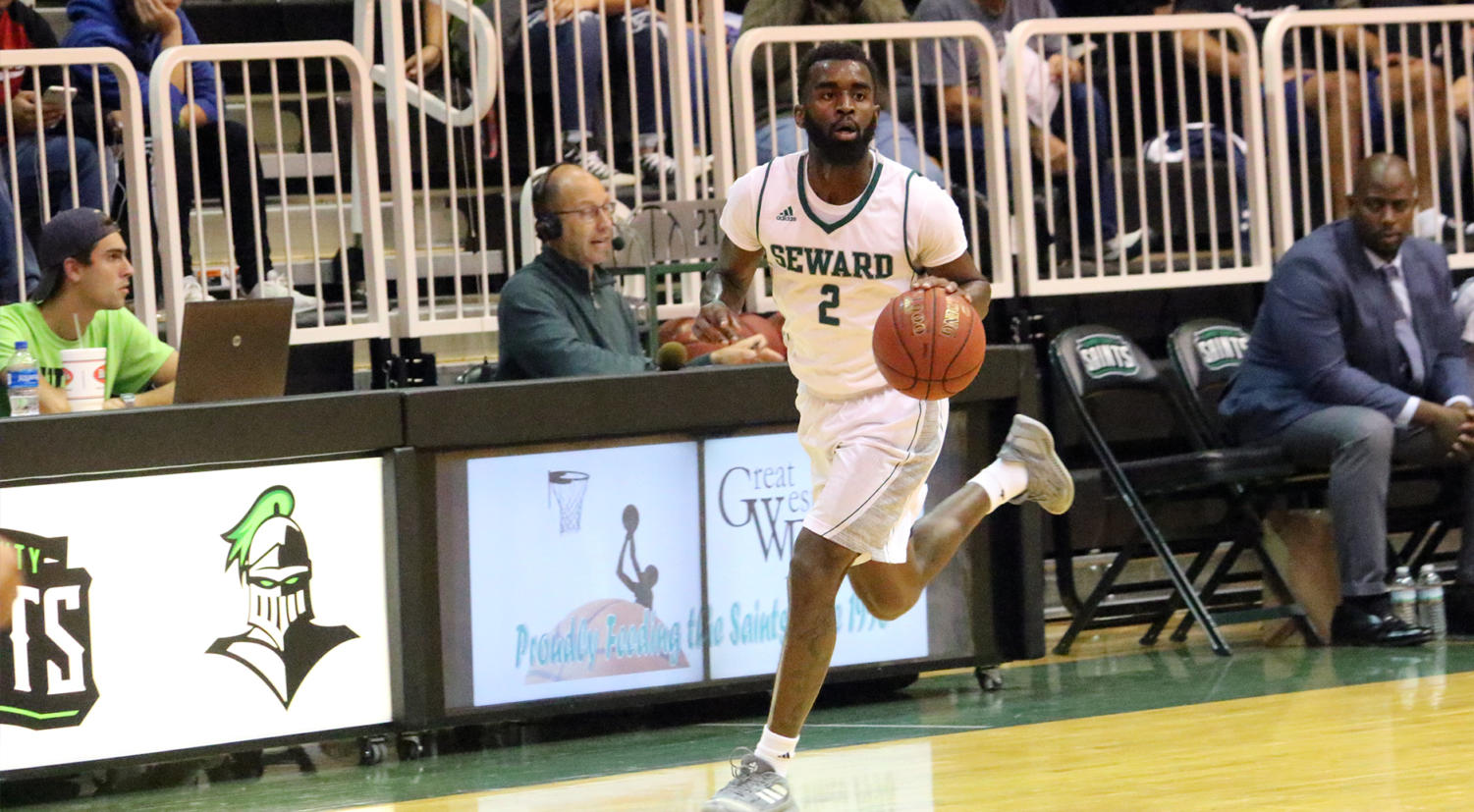 The No. 19 Saints took down another opponent Jan. 14 with a decisive win over Garden City Community College. Devin Bethely, sophomore guard from Baton Rouge, Louisiana, had eight assists in the game. (file photo)