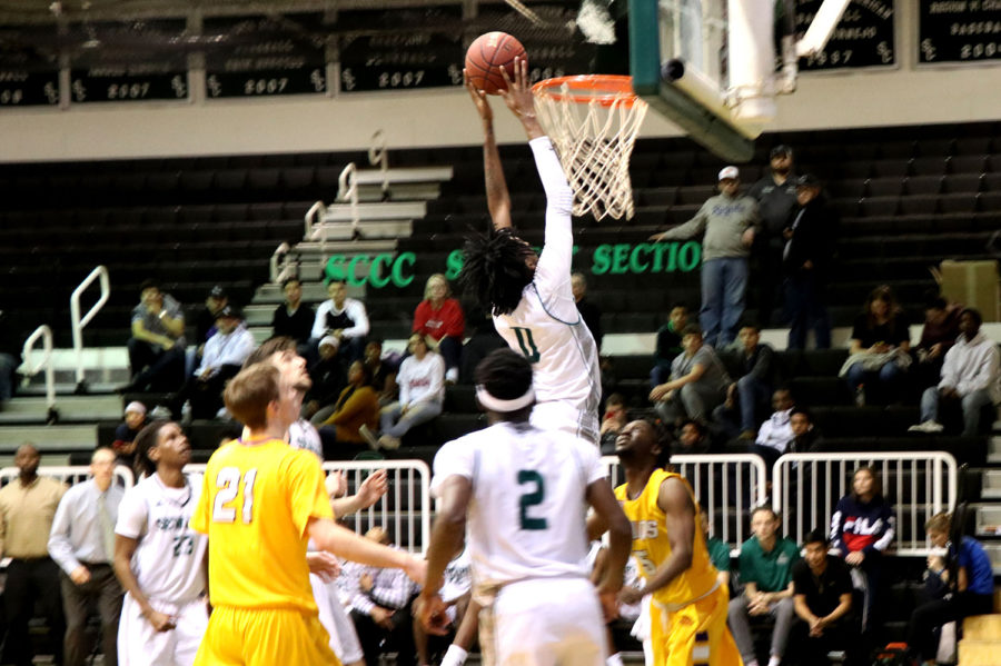 The+Seward+Saints+are+No.+13+in+the+nation+with+a++record+of+24-5+overall+but+17-3+in+the+Jayhawk+conference.+%28file+photo%29