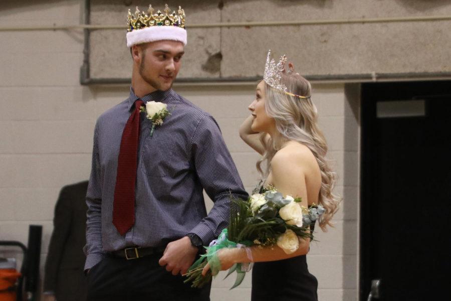Cole Evans, Kaitlyn Van Vleet crowned Homecoming king and queen