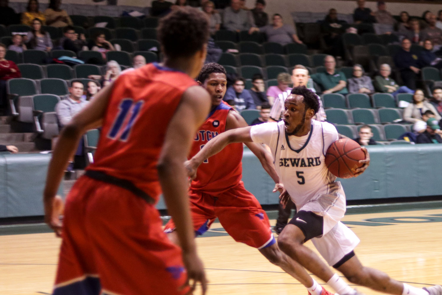 The Seward County Community College mens basketball team are ranked No. 13 in the nation. The Saints improved to 18-3 in conference play and 25-5 overall. The 25 wins are the team's most since the 2012-13 season when Seward went 25-8.