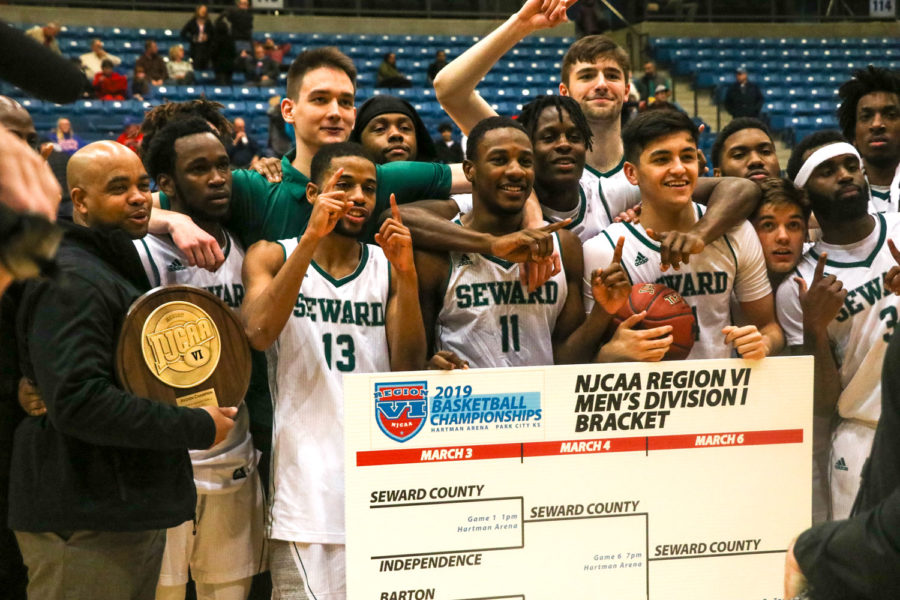 The+Seward+County+Community+College+men%E2%80%99s+basketball+team+celebrates+after+winning+the+Region+VI+championship+against+Hutchinson.+This+was+just+the+sixth+time+in+program+history+for+the+men+to+win.+They+will+automatically+advance+to+the+national+tournament+in+Hutchinson+on+March+18-23.%0A%0A