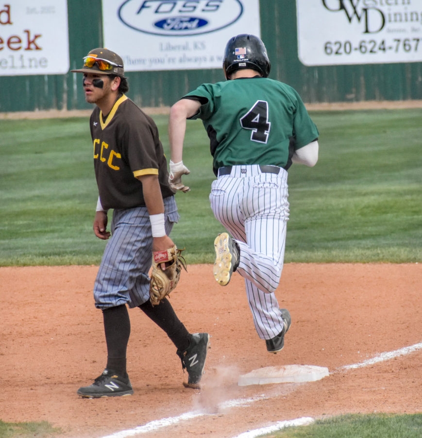 Zane Alexander runs out an infield hit and crosses the bag safe. On April 12,  Seward Community College went up against Garden City Community College on the SCC field. The Saints ended up taking a double-hitter win.
