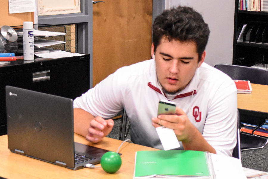 The internet and server went out for the second time in the middle of classes on Aug. 28. Kris Liggett, Ness City Freshman, was like everyone else on campus and had to switch from wifi to using his phone data to get things done.