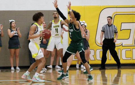 Seward Saints lose to Pratt