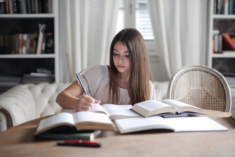 Since SCCC has transitioned over to online classes, it can be difficult to maintain structure. These six tips can be helpful if youre struggling.