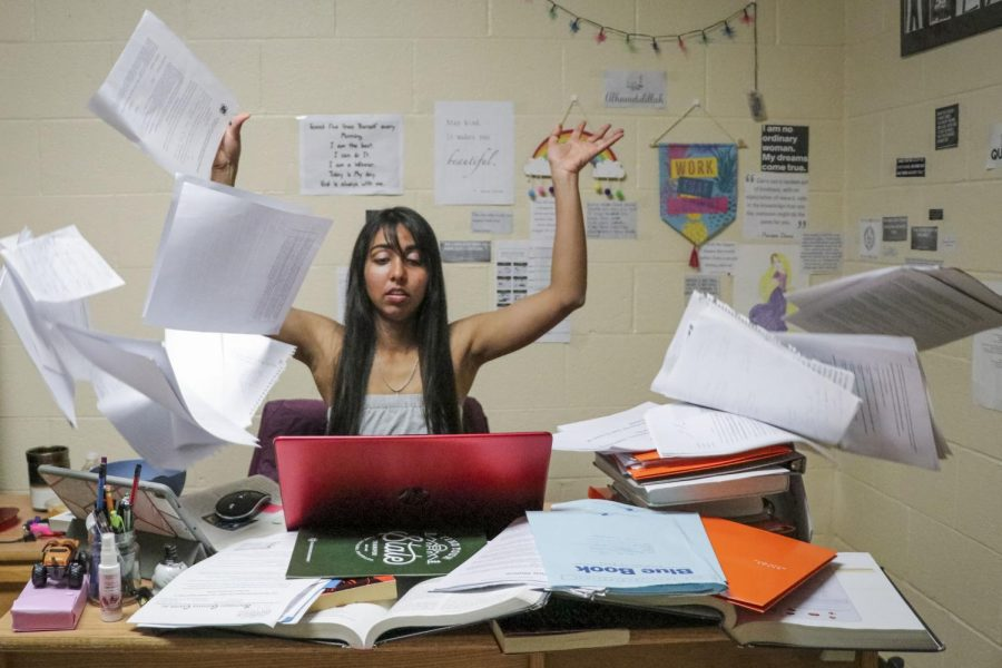 It's that time in the spring semester when so many papers are due ... not to mention the tests. Students feel stressed out because there's so much to do. Finding a place to start in the midst of chaos can help. (photo illustration)